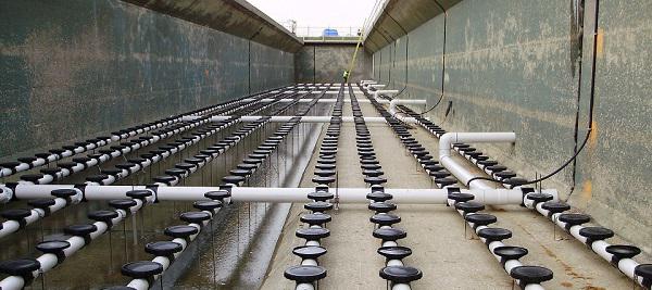 Lắp đặt đĩa thổi khí hệ thống xử lý nước thải