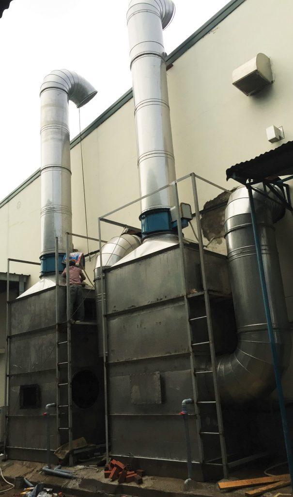 Hệ thống xử lý khí thải phòng sơn.